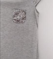 Svetlo siva majica, šljokice. LC WAIKIKI