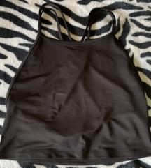 Crna majica crop top