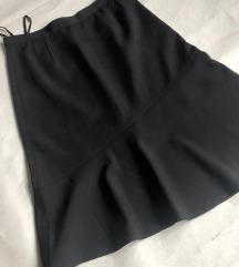 Crna suknja u A, novo