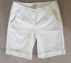 Bele pantalonice/sorts