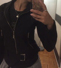 Fervente crna jakna SNIZENA