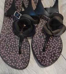 Grendha crno šarene sandale za leto
