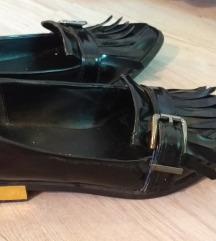cipele crne  nove, ravne