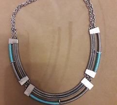 Accessorize ogrlica