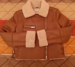Bershka jakna // nova cena 3000💫