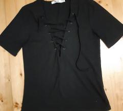 NA-KD bluza na pertlanje