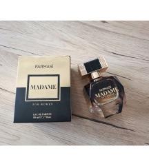 Madame nov parfem