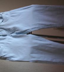 Svetlo plave pantalone