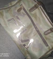 Obe torbe za 1000din