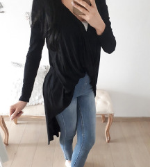 Crna asimericna bluzica
