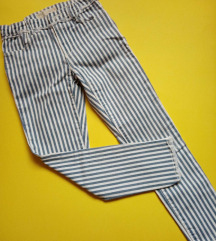 Zara pantalone vel 8