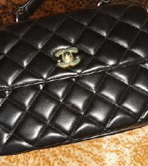 Chanel torba snizena 2000din
