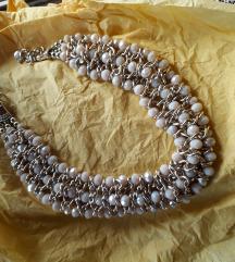 Prelepa ogrlica