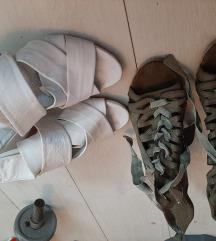 Sandalice kozne oba za 1000 din