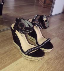 Crne sandale SNIZENE