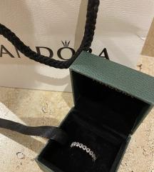 Pandora srebrni NOV prsten