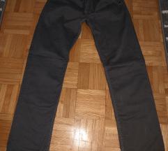 Tamno sive pantalone
