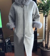 Sivi kaput od kasmira
