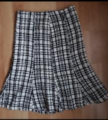 Suknja deblji materijal, odg. 36 br. Nova.