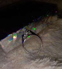 Srebrni prsten sa cirkonom(974) besplatan ptt