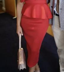 Crvena prelepa haljina