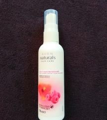 Avon Naturals sprej za kosu