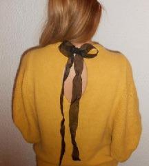 ZARA mekani žuti džemper