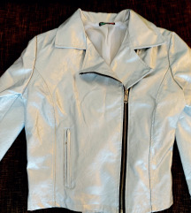 Metalik srebrna jakna