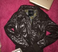 Bomber lakovana jaknica