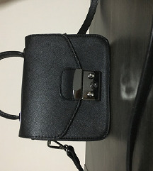Mala crna torbica SNIZENJE