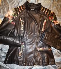 Prelepa jakna SNIZENO