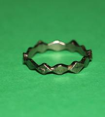 VINTAGE srebrni prsten oštre ivice