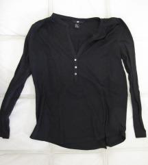 48. H&M majica dugih rukava sa dugmicima