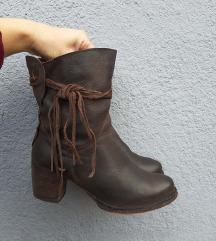 Italijanske čizme na štiklu