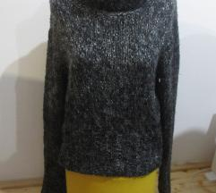 Džemper sa velikim okovratnikom