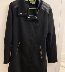 Crni kraći tanku kaput, veličina L, NOVO