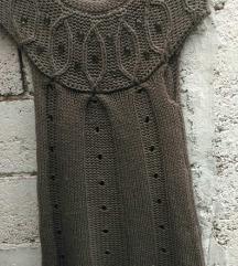 Debeli pleteni prsluk-tunika  bogato ukrasen