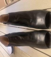 Sandale kozne