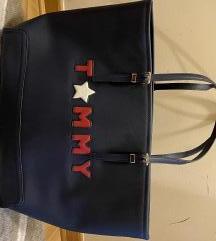 Rezz Tommy Hilfiger kao nova torba