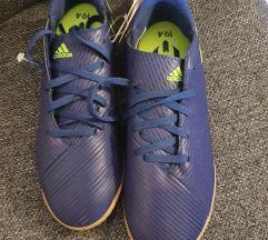 Nove adidas patike za fudbal 37 1/3