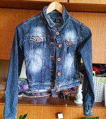 Predobra teksas jakna za devojcice