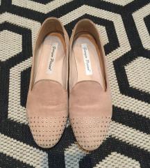 Kozne cipele sa nitnicama
