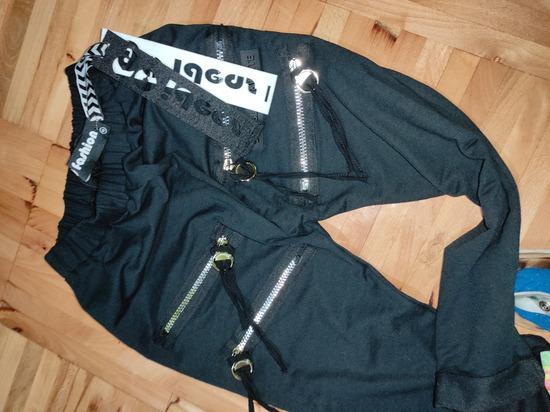 Nove baggy pantalone