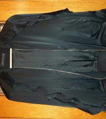 Crna jaknica sa karnerima