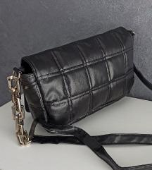 Nova crna torba .