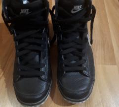 Prelepe Nike duboke patike, tople 40br.