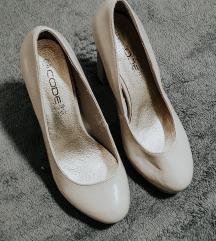 Cipele sa stiklom