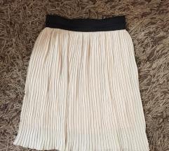 Plisirana moderna suknja