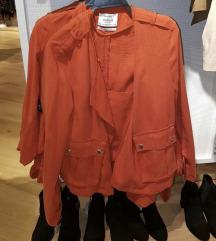 Bershka narandžasta jaknica