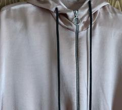 Zara svilenkast duks jaknica